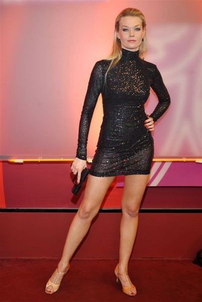 Tamara Arciuch | Dresses with sleeves, Fashion, Celebs