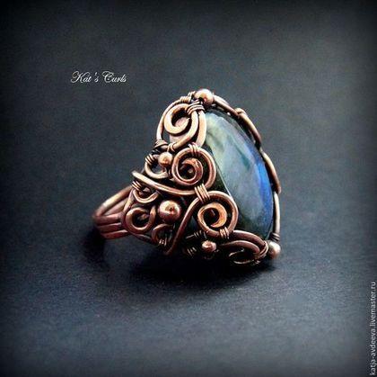 Купить Медное кольцо с лабрадоритом ГЛУБИНА - темно-синий, синий, медное кольцо, кольцо из меди
