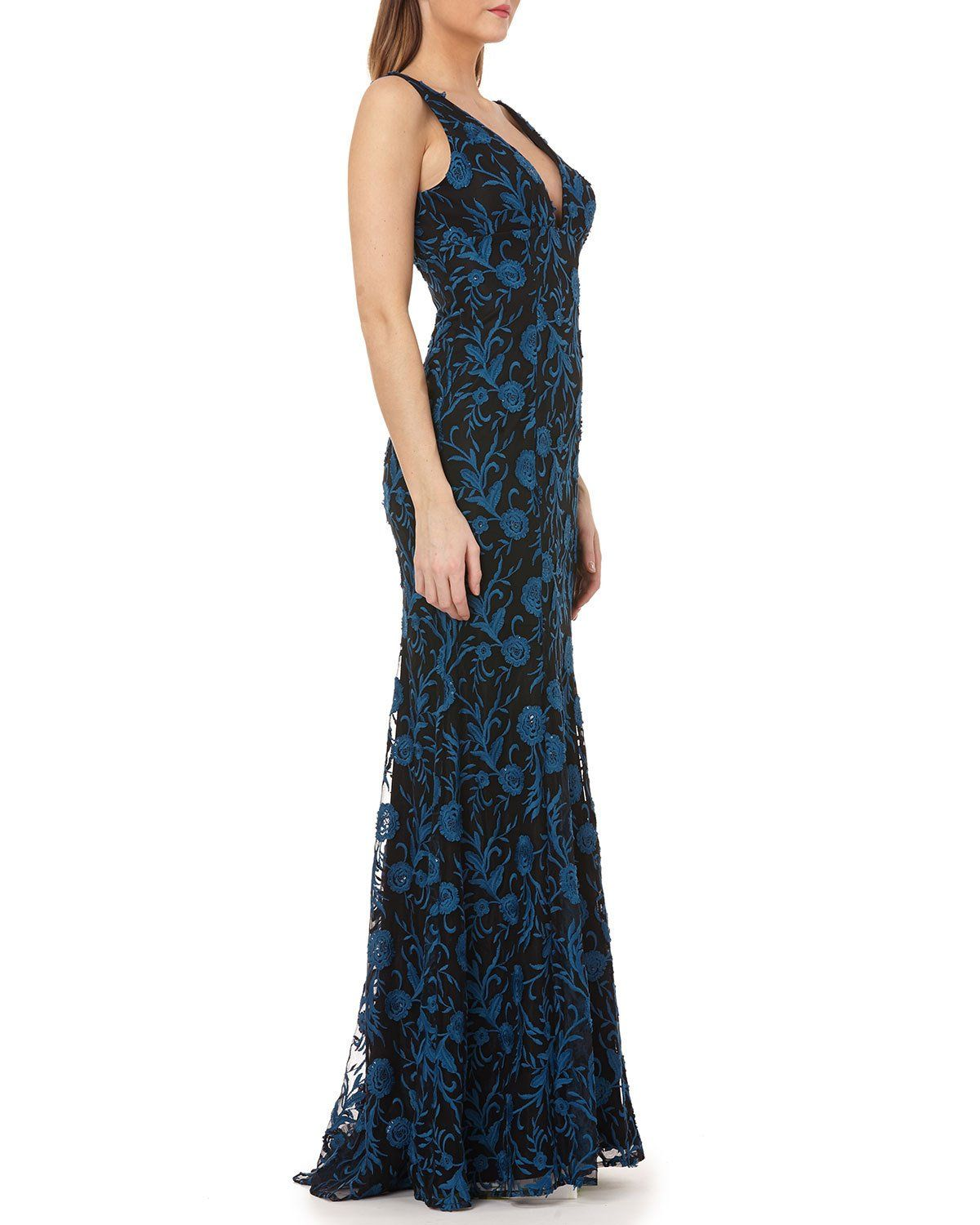7a38618f1b5 Carmen Marc Valvo Infusion V-Neck Sleeveless Embroidered Overlay Column Gown