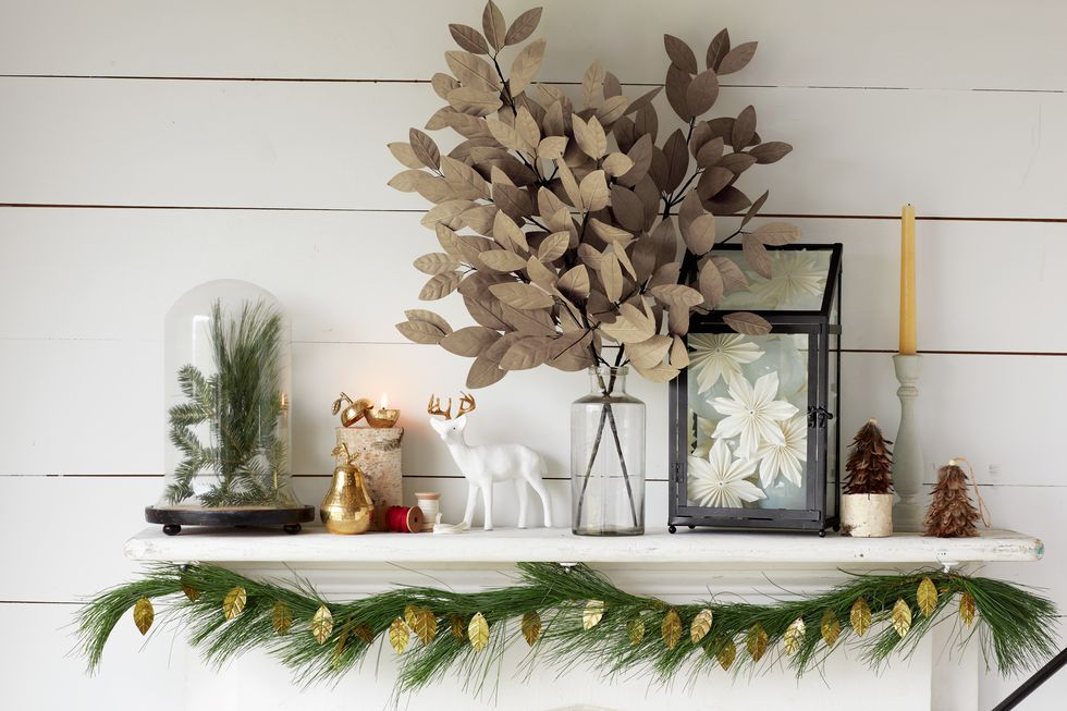 Give Santa a Warm Welcome With These Christmas Mantel Decorating