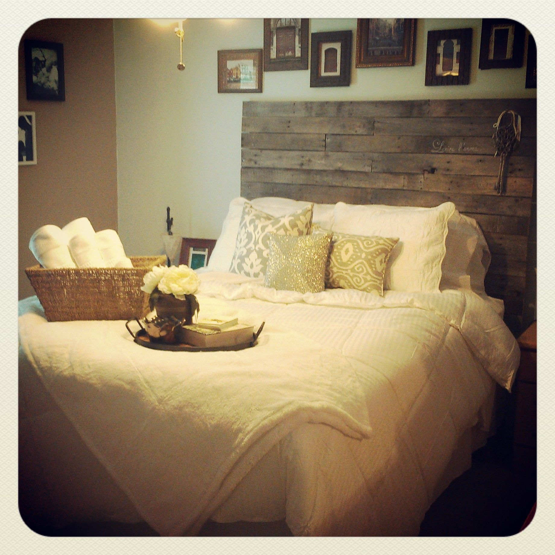 My guest bedroom makeover project! I\'m so excited that my pallet ...