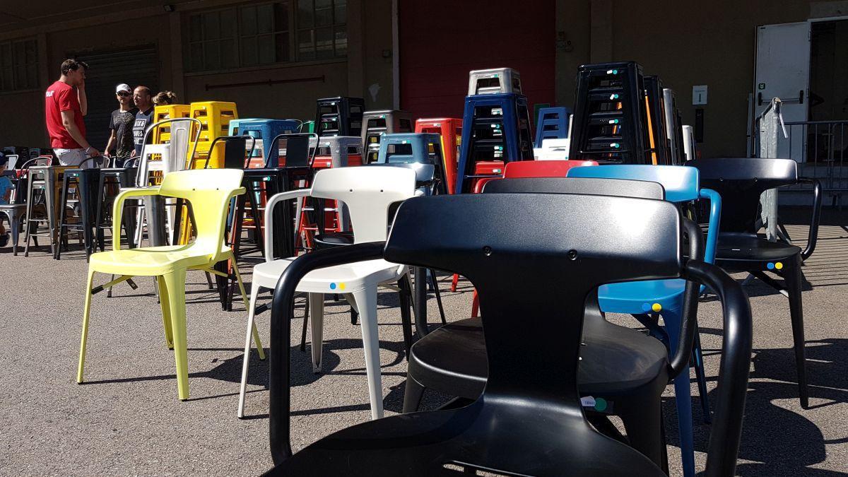 Epingle Par Adaliz Sur Best Furniture Avec Images Salle A Manger Verre Canape Convertible 3 Places Chaises Tolix