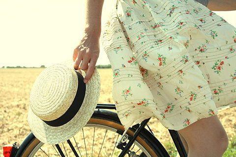 skirt & hat - canotier