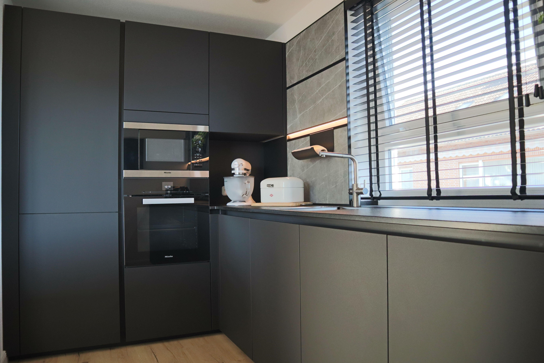 Küche Next15 Fenix Schwarz  Küche, Küche schwarz, Küchen planung