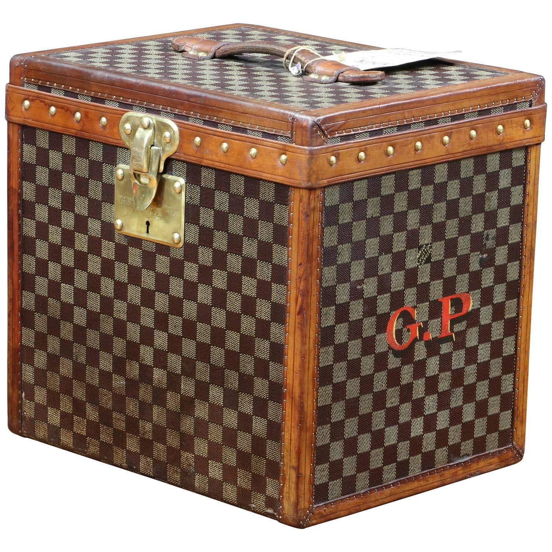 40472f81390 1900s Louis Vuitton Damier Canvas Hat Trunk