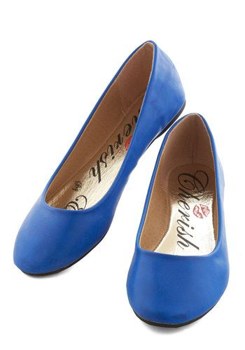 I'd Be Delighted Flat in Cobalt. Cutely clad in these cobalt-blue ballet flats, you happily welcome an invitation for a Sunday stroll! #blue #modcloth