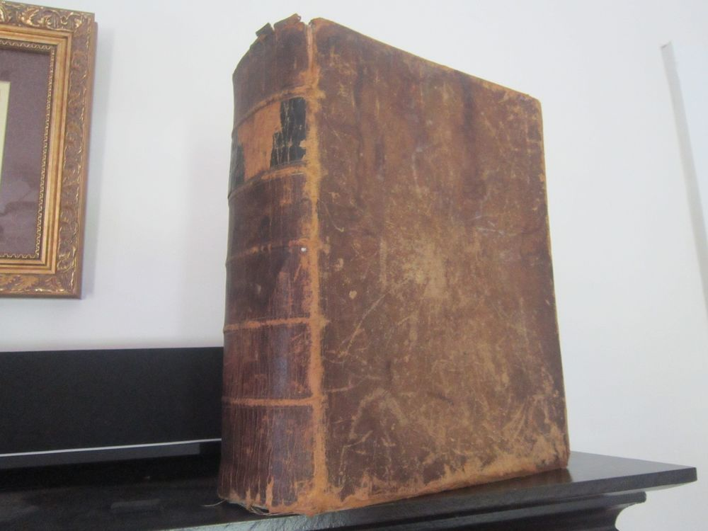 Rare - 1856 - Websters dictionary unabridged 1452 pages - collectible