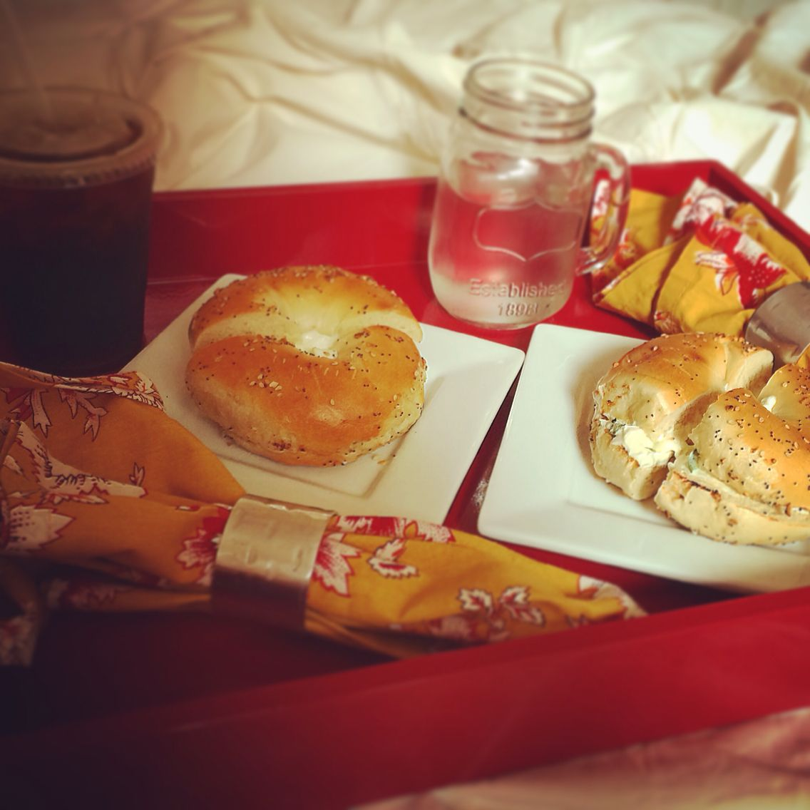 everything bagel with jalapeño cream cheese x two #homesweethome #breakfastinbed #luckygirl #bagels
