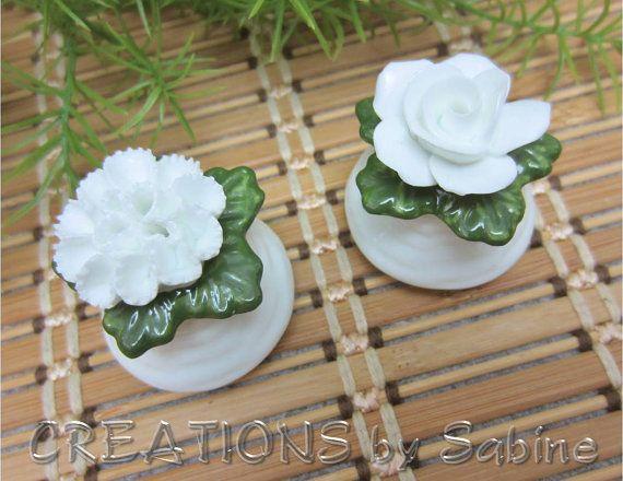 Aynsley English Fine Bone China Porcelain Flower Salt & Pepper Shaker Set / White Green Rose Carnation England / Vintage FREE   by CREATIONSbySabine