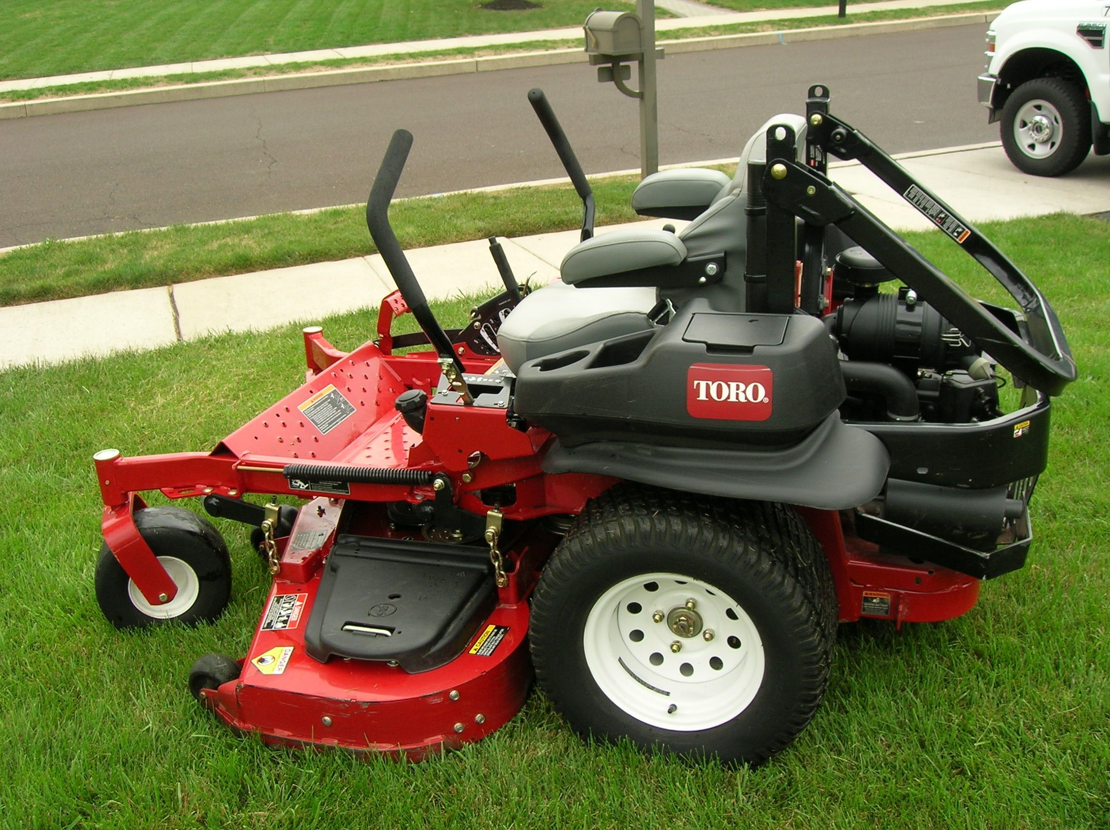 toro riding lawn mowers in Okeechobee Florida at Lawn Tamer Inc