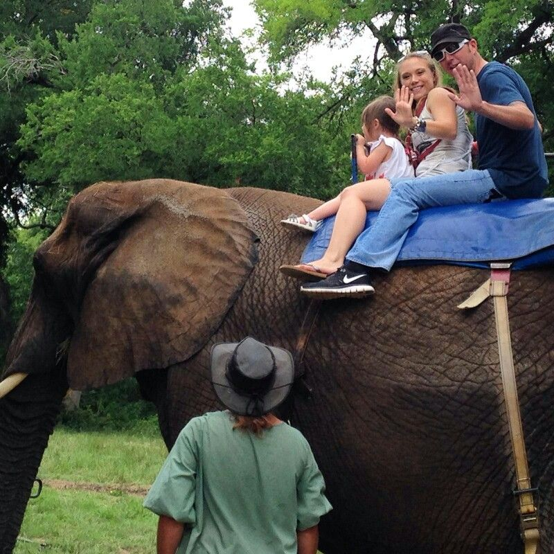 Nova rides her first elephant with mom and dad. Wish this Mimi had been there too!