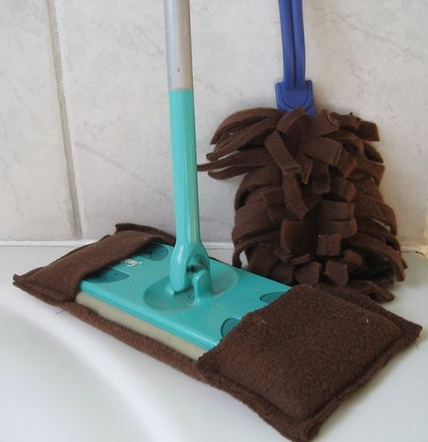 Find fleece at the thrift store and use it to make a reusable swiffer sweeper cover! #recycle