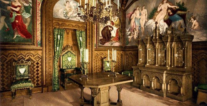 Arbeitszimmer Des Konigs Auf Schloss Neuschwanstein Kolorierte Fotografie Von Joseph Albert 1886 Castle Neuschwanstein Castle Castle Bavaria