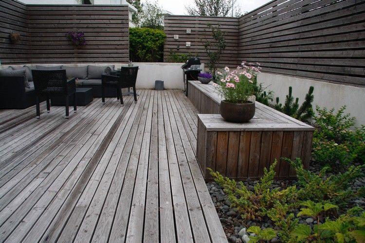 terrassenbelag und sichtschutzzaun aus holz in einem grauton anbau terasse pinterest. Black Bedroom Furniture Sets. Home Design Ideas