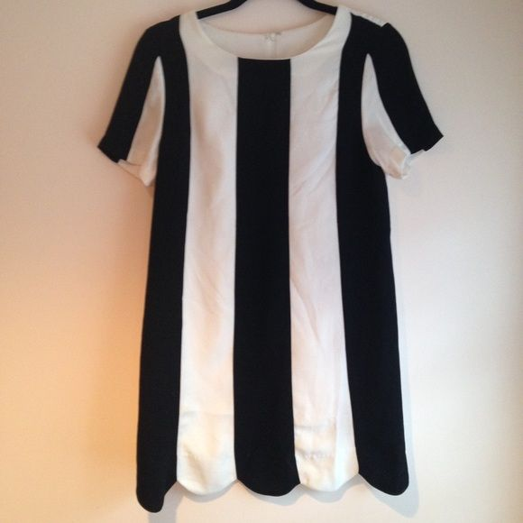 B&W mod dress -Nasty Gal This dress is super mod. Matching the swinging 60s  worn three times Nasty Gal Dresses Mini