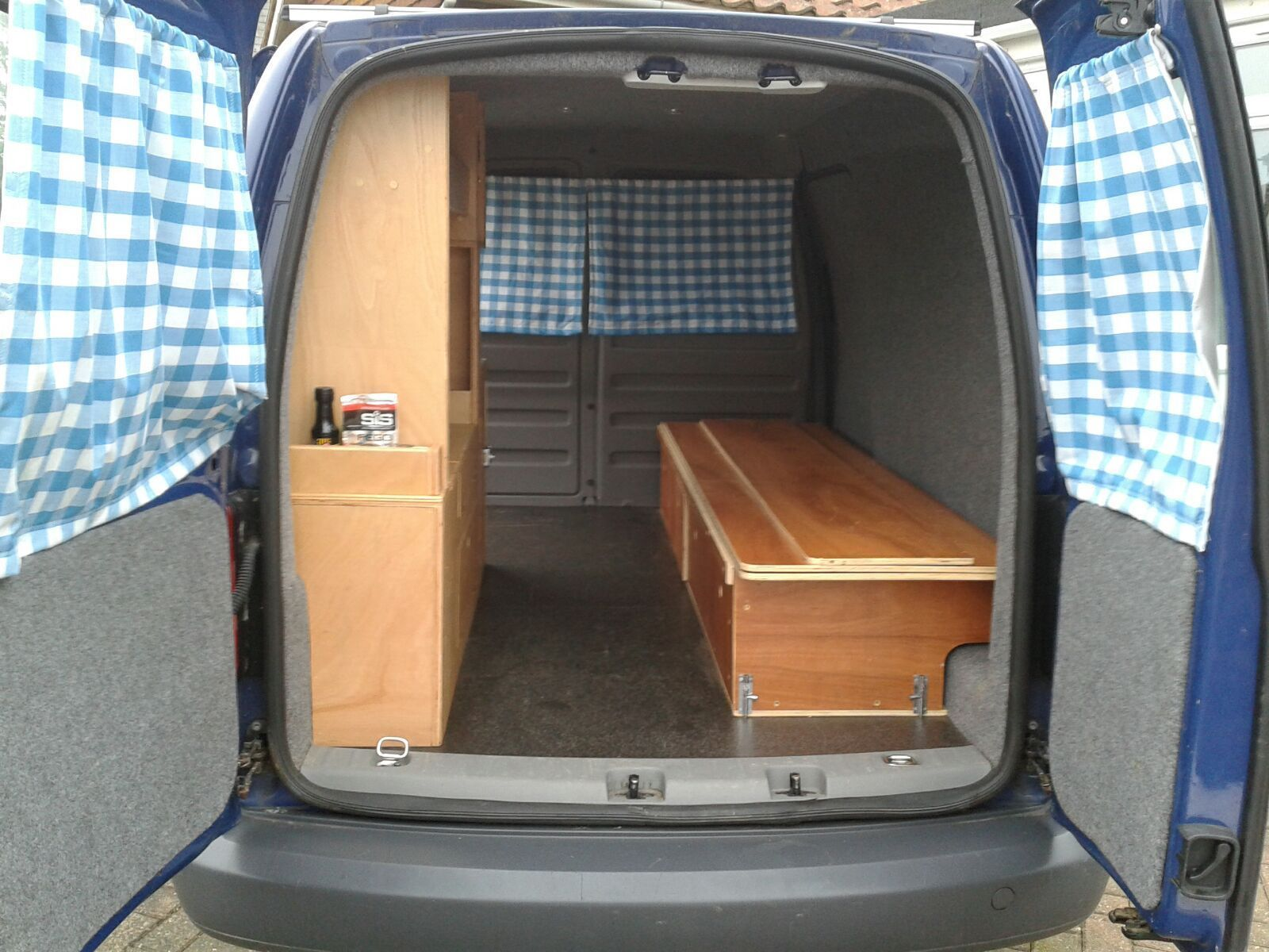 volkswagen caddy maxi campervan van conversion. Black Bedroom Furniture Sets. Home Design Ideas
