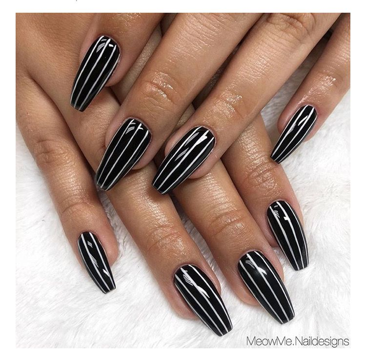 Simple Halloween Nail Art Idea Base Of White With Black Stripes Over The Top For A Pinstripe Beetle Black Acrylic Nails Halloween Nails Manicure Nail Designs