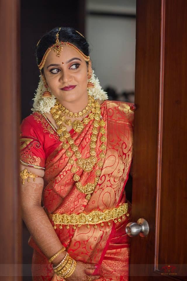 South Indian Bride Temple Jewelry Jhumkis Red Silk Kanchipuram Sari Braid With Fresh Jasmine Flowers Tamil Br Indian Bride Makeup Indian Bride Indian Bridal