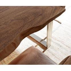 Photo of Reduzierte Esstische aus massivem Holz
