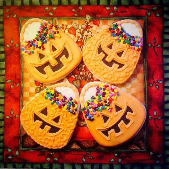 Marlene Charbonneau  Halloween pumpkin baskets inspired by - halloween pumpkin cookies decorating