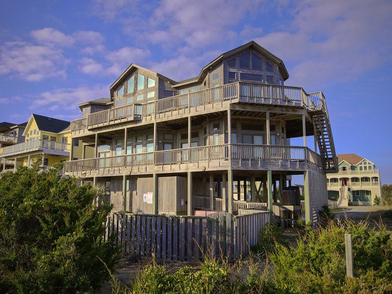 Obx vacation rentals on hatteras island nc outer banks for Hatteras cabins rentals