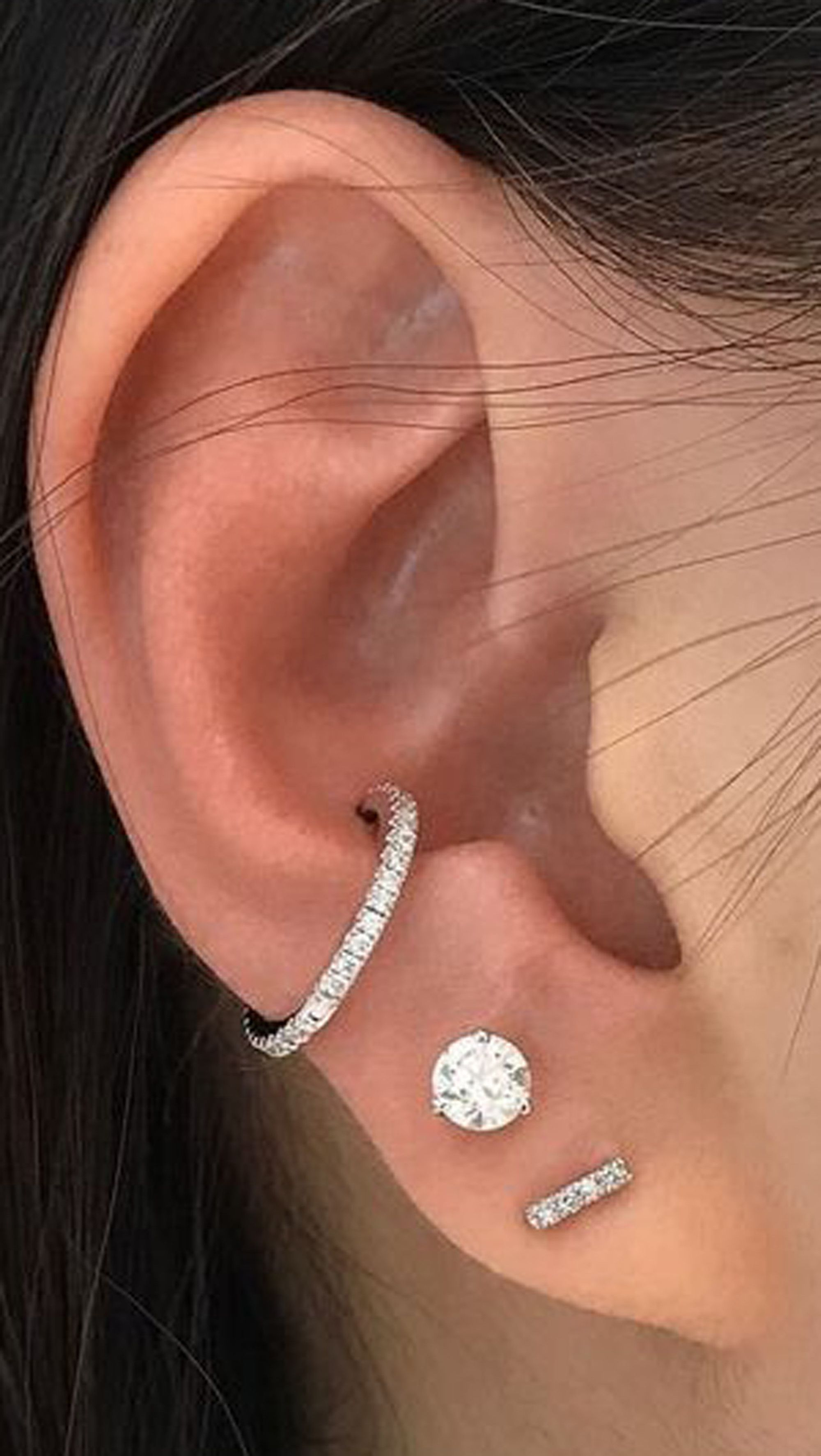 Cute Multiple Ear Piercing Ideas For Women Conch