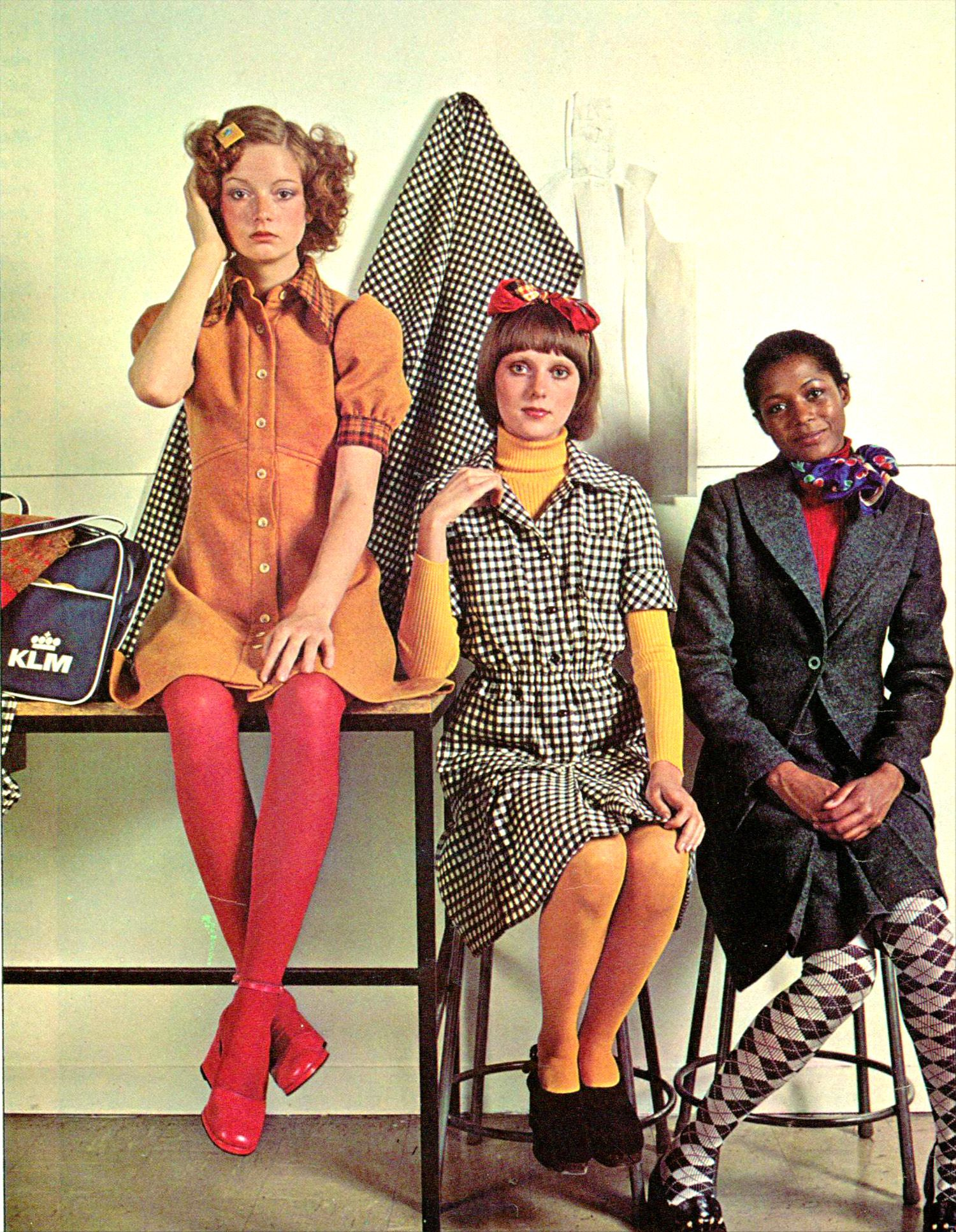 Women & Teen Fashions 1972: Defining the Seventies Style