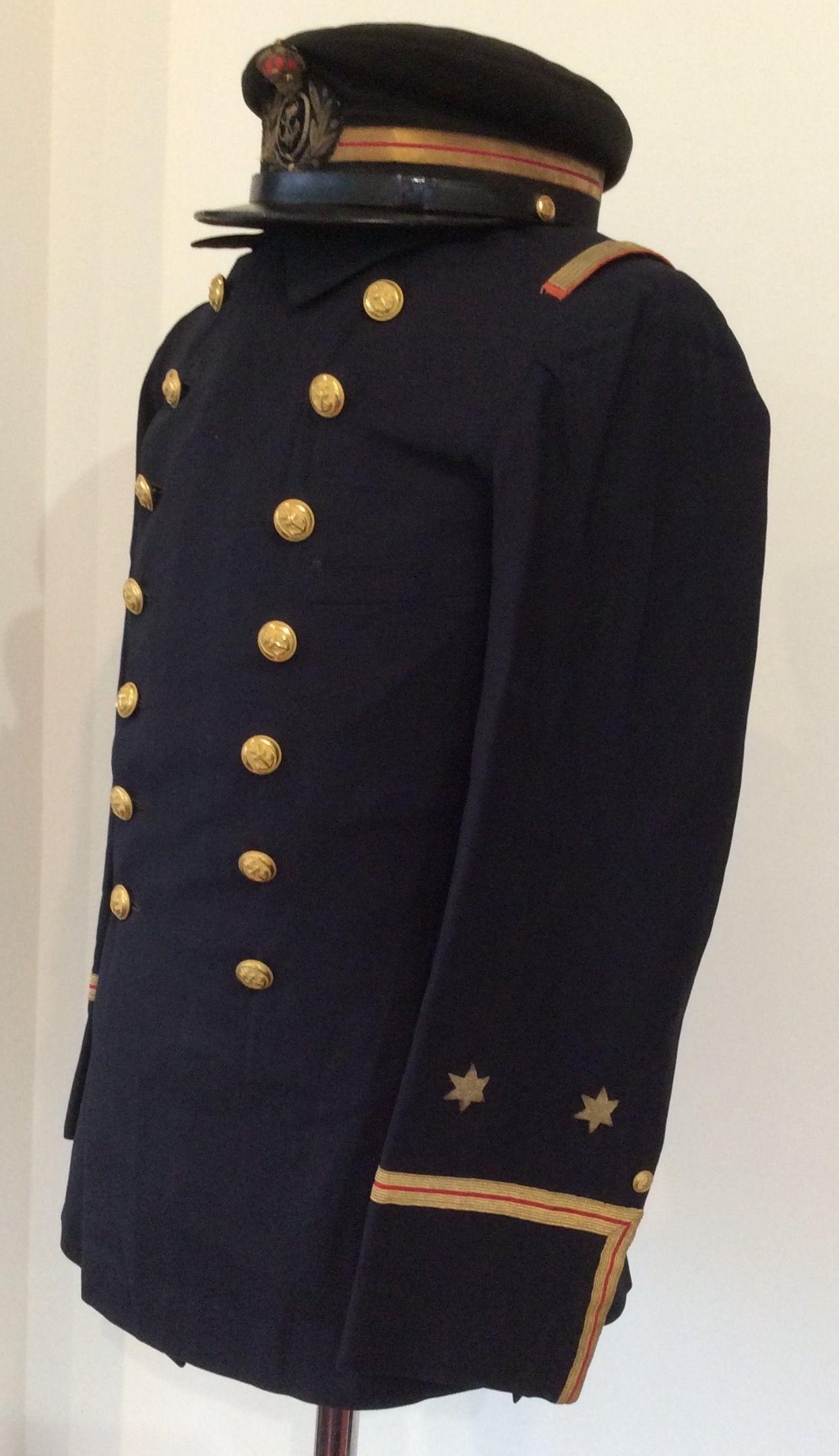 Uniforme y  gorra de diario de  Teniente  medico de la  Armada de  1898.   Guerra de  Cuba. b73f1ee6b1d