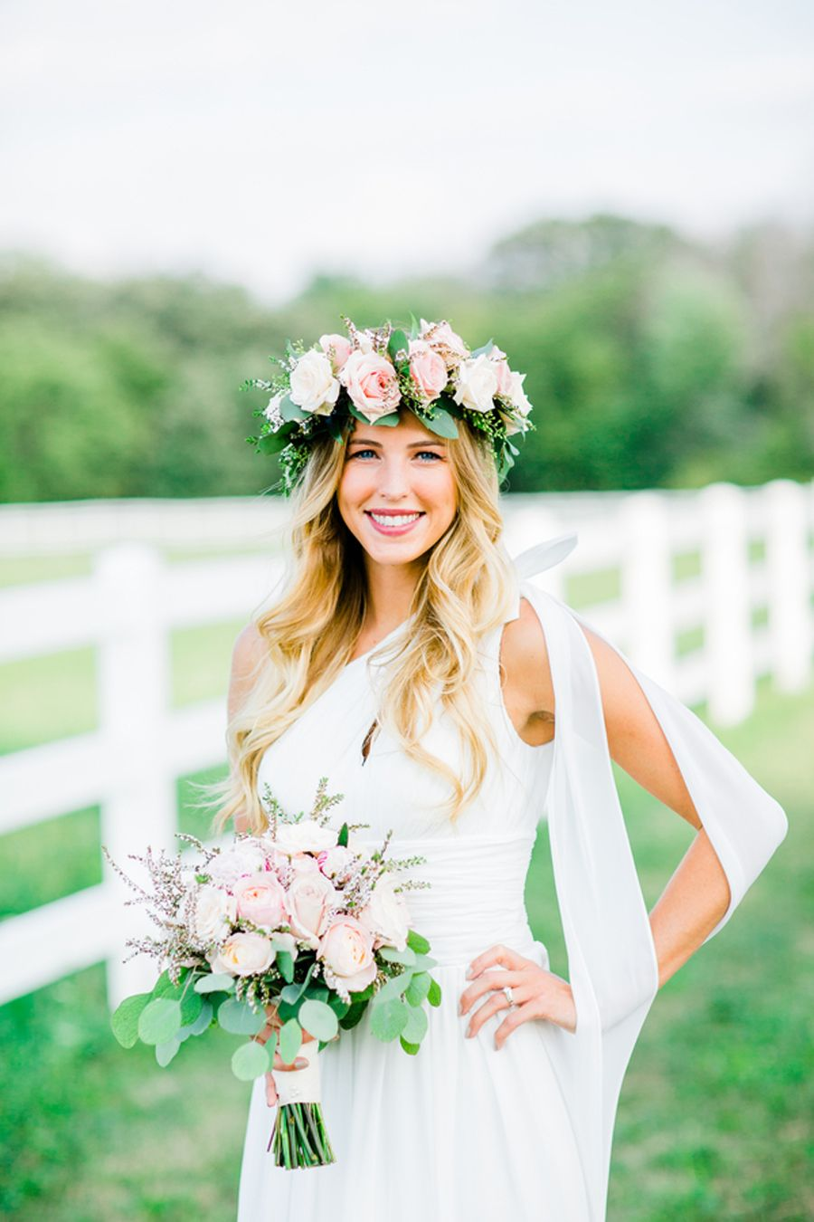 Modern boho glam wedding inspiration. www.bohodaydreams.com