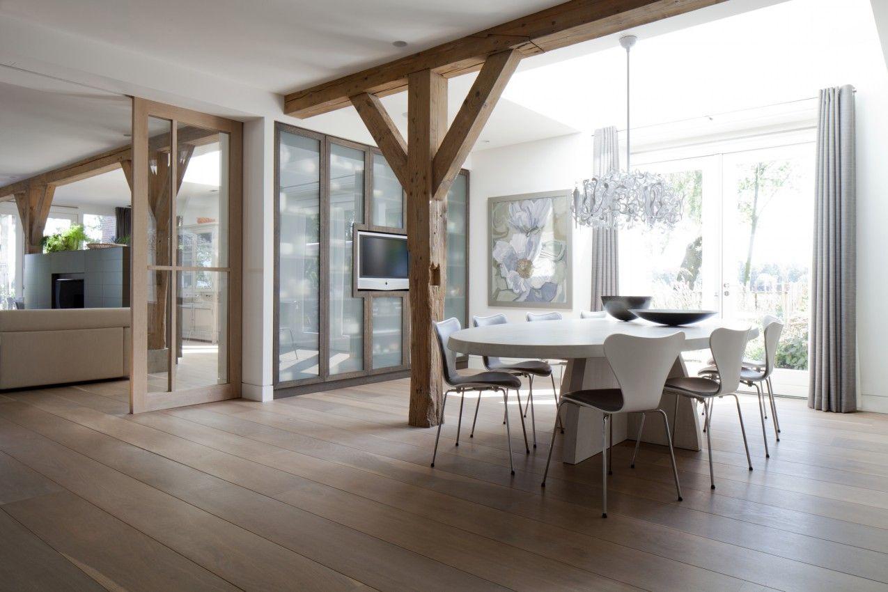 Modern farmhouse 1 looking glass california home design meijer en floor pinterest - Moulure architectuur ...