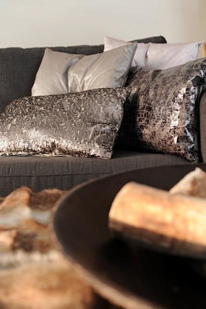 Claudi kussens scapa leren schaal tc style buffelhoorns tears on my pillow pinterest - Bed met schaal ...