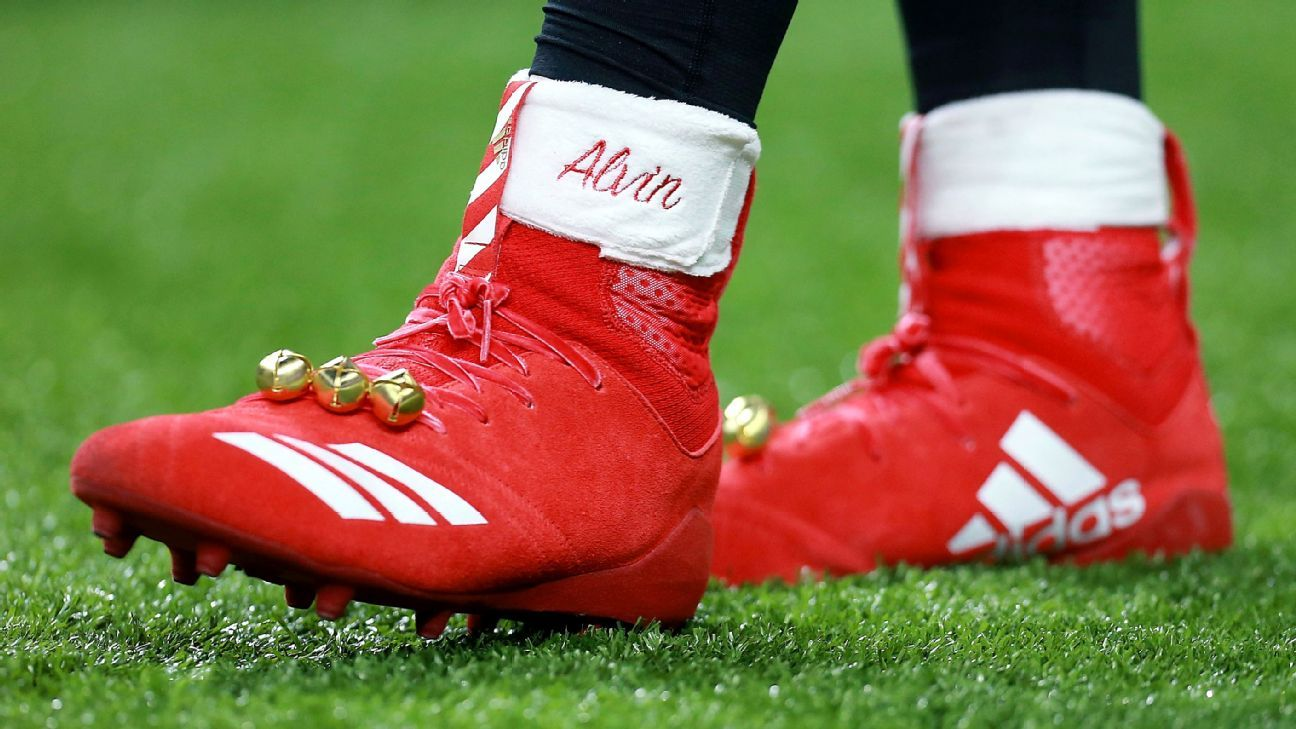 Grinch\' fines Kamara for holiday-themed cleats | Sports | Pinterest ...
