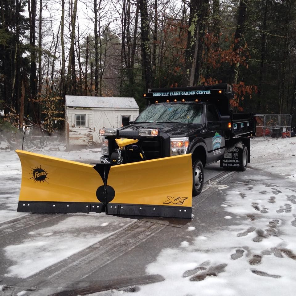 "9.6"" XV2 Work truck, Snow plow, Snow shovel"