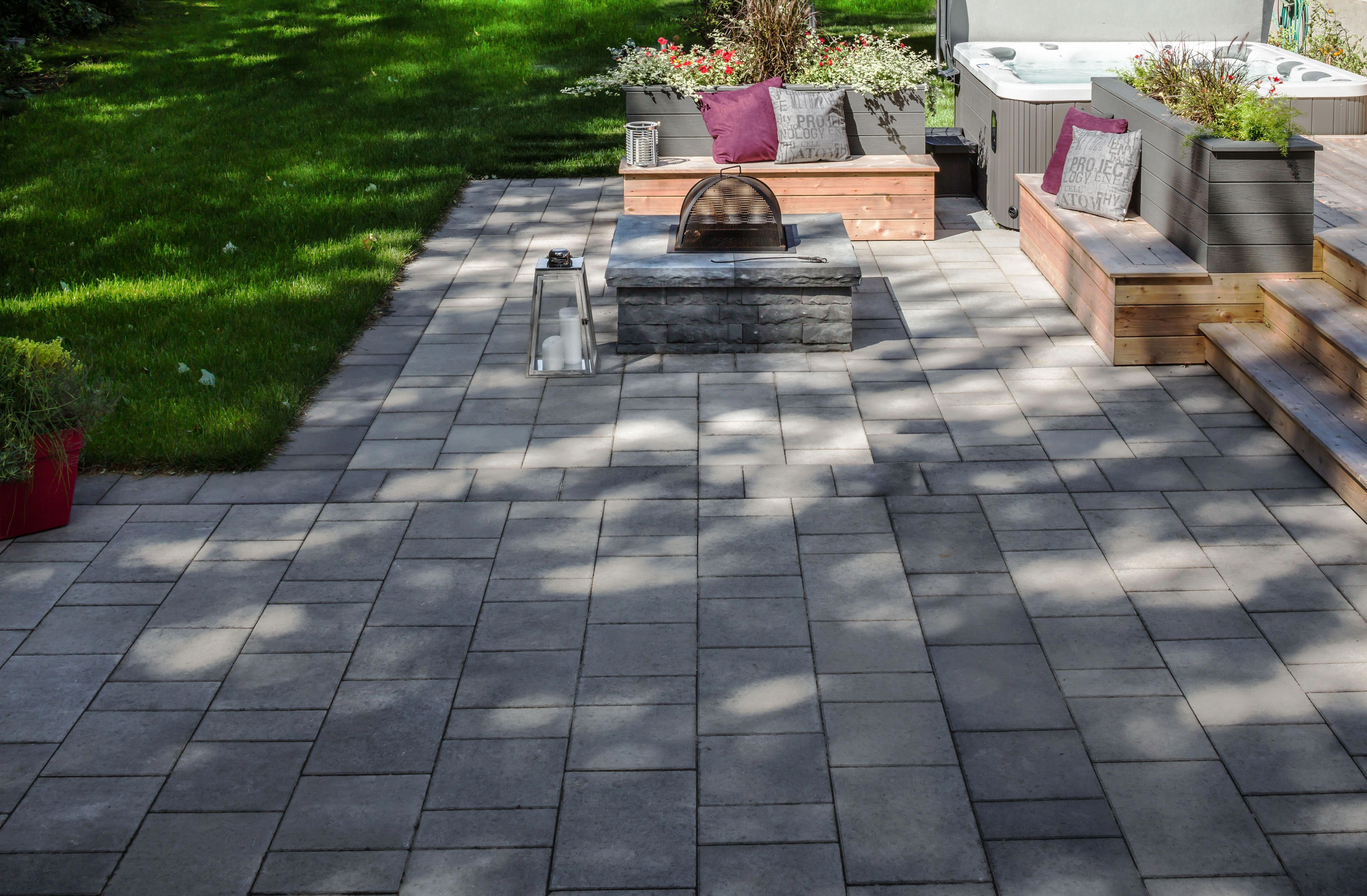 """Photo of Receive wonderful suggestions on """"fire pit flagstone"""". They are actually availab…"""