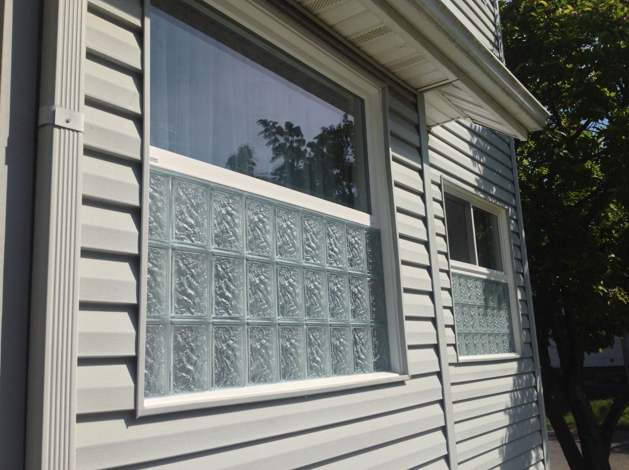 The Best Of Both Worlds Glass Block And Vinyl Replacement Windows Together Glass Blocks Vinyl Replacement Windows Glass Block Windows