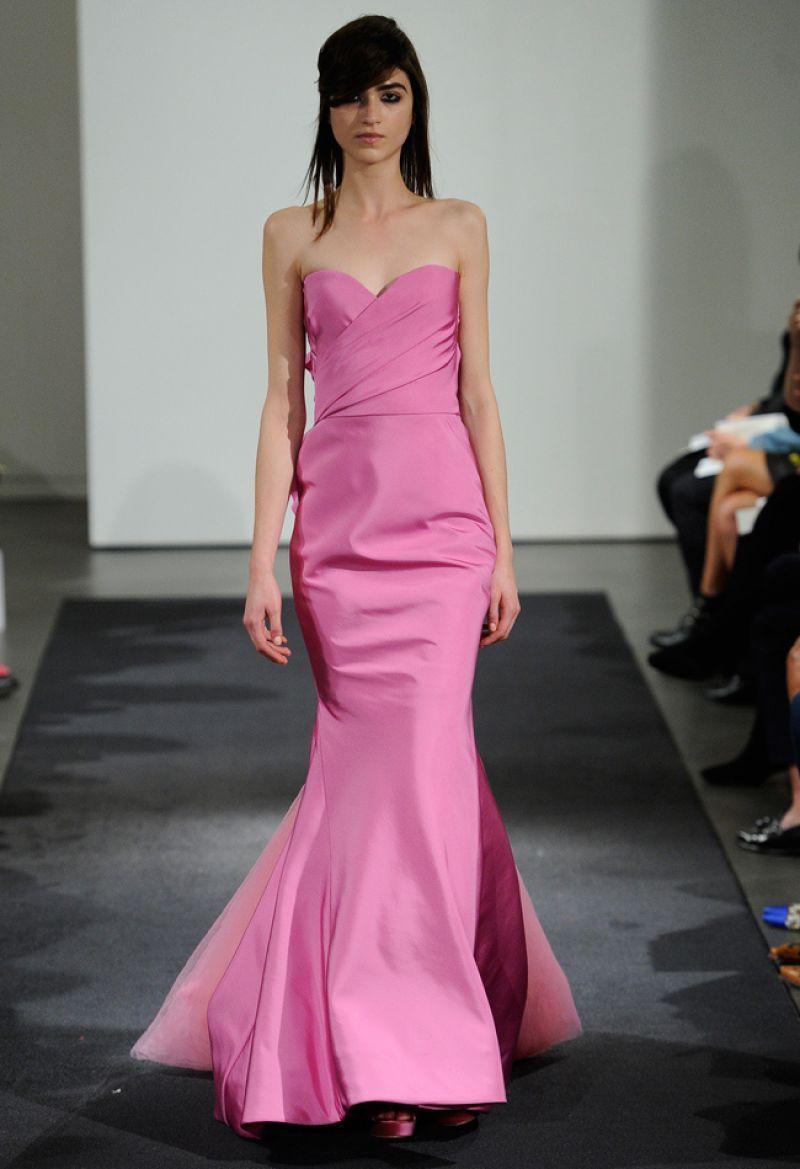 Rochie mireasa roz stil sirena