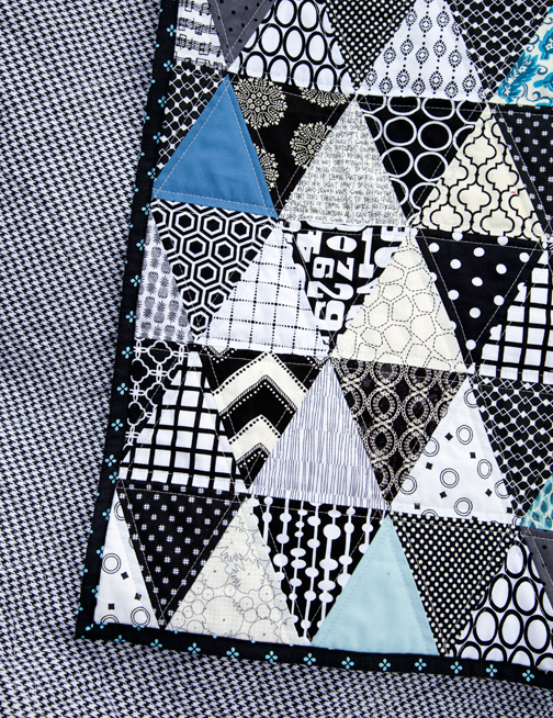 Black And White Geometric Quilt : black, white, geometric, quilt, Freshly, Handmade:, Black, White, Triangle, Quilt:, Finished, Quilt,, Quilt, Patterns,, Quilts