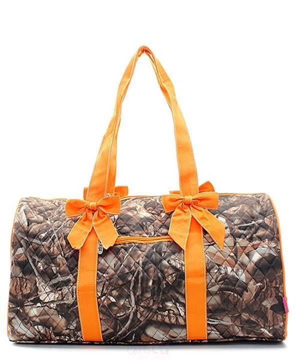 bf3f74e317d3 A large duffle bag