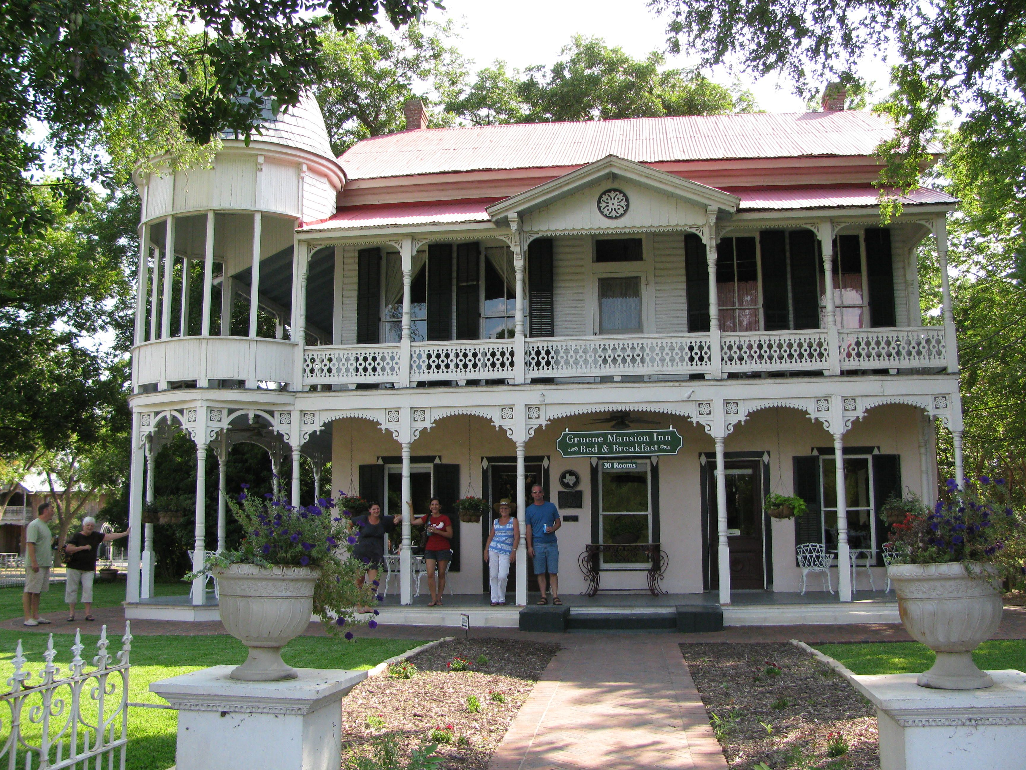 Gruene Mansion, awesome Bed and Breakfast! Victorian homes