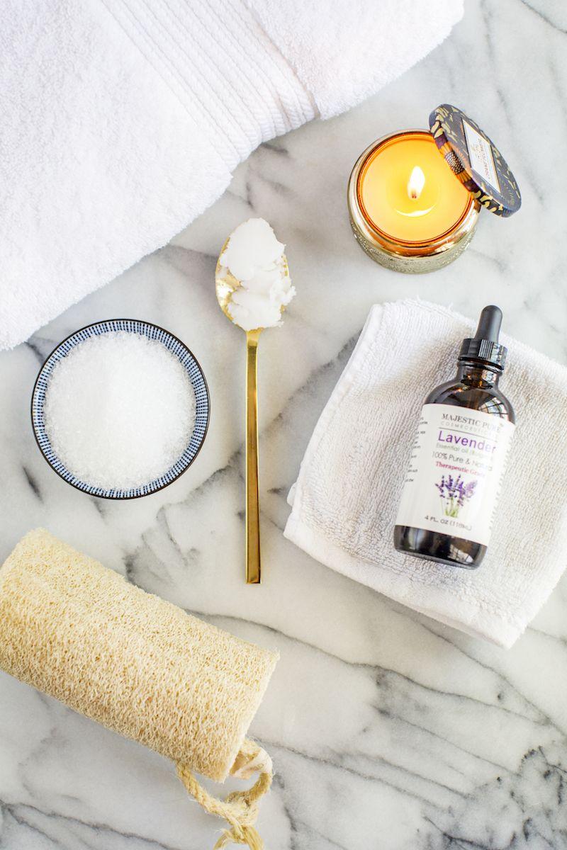 This DIY Epsom Salt Detox Bath is moisturizing (coconut