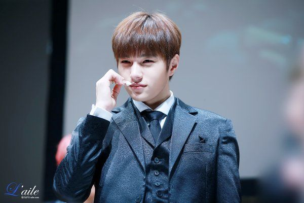 """https://t.co/gYe4rtDXYT 160206 valentine party """"For You"""" in Tokyo 1부 #명수 / 와앙! https://t.co/kFwzQIfb1f"""