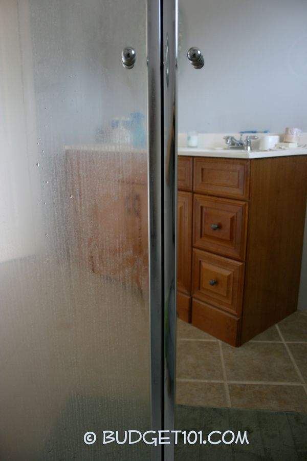 If You Re Looking For An Amazingly Effortless Scum Removing Cleaner Recipe Look No Further This Super Simple Dirt Cheap Cleaner Removes Th Clean Shower Doors Glass Shower Door Cleaner Cleaning Shower