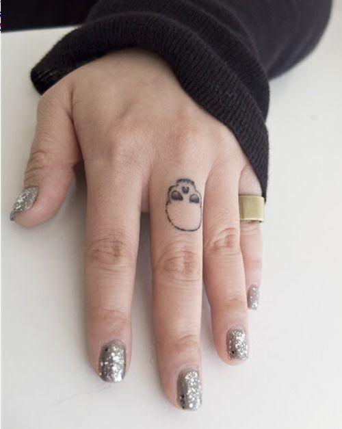 16 Impressive Finger Tattoo Designs 14 Middle Finger Tattoos Skull Finger Tattoos Finger Tattoos