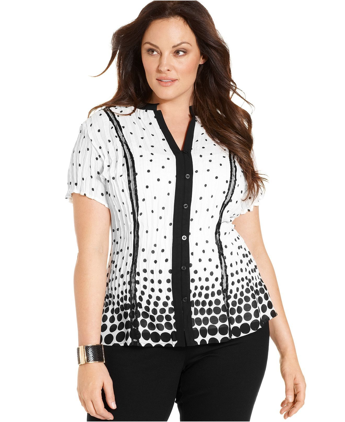 ELOQUII is the ultimate destination for trendy plus size fashion. With everything from dresses to outerwear to shoes, we offer the best in contemporary fashion to women in sizes Not only do we seek out the hottest styles, but we obsess over fit.