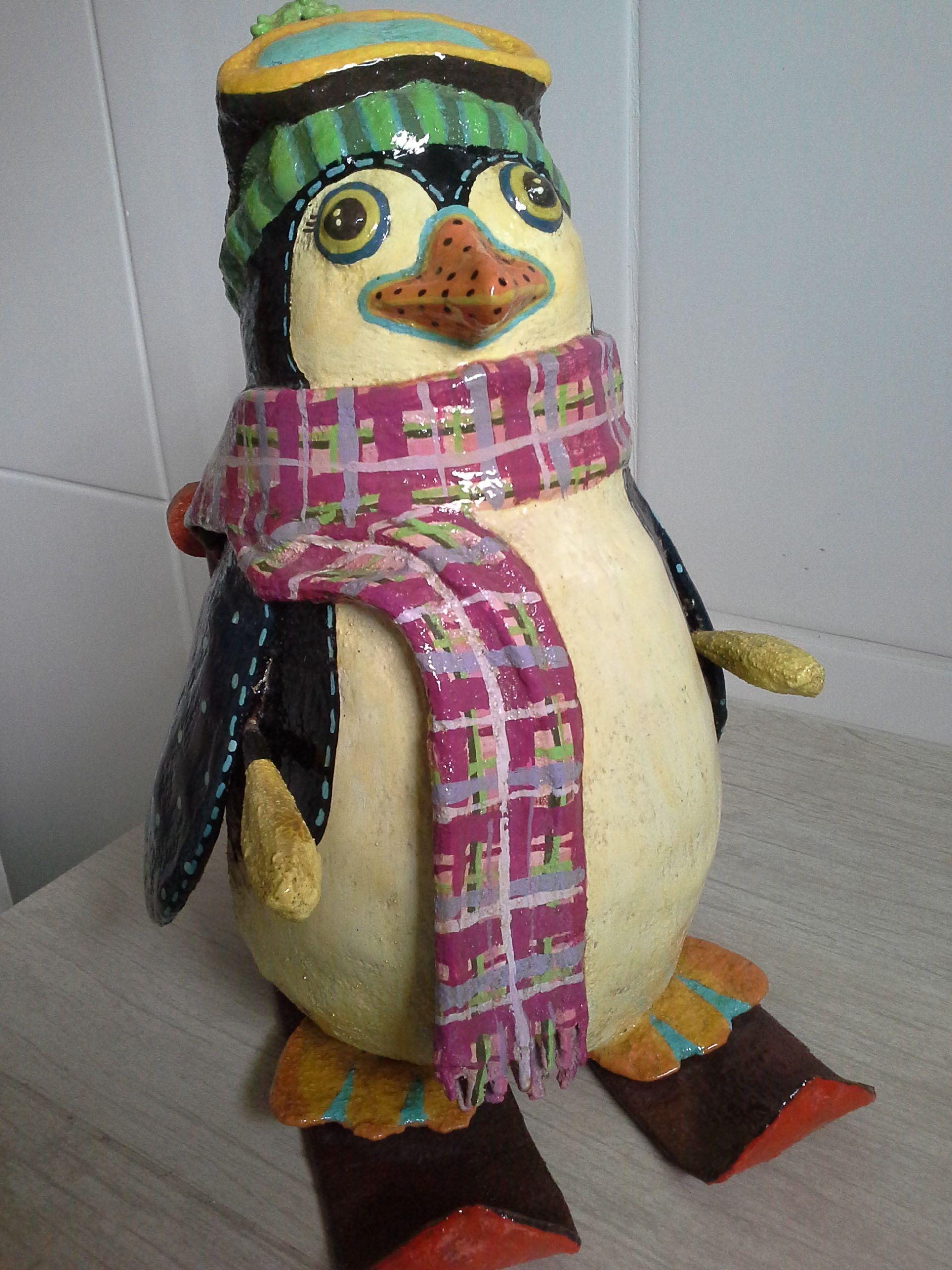 Pinguim esquiador - Papel Machê