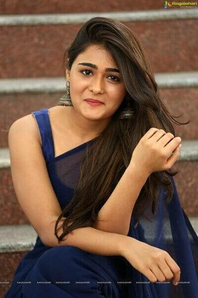 Complete South Indian Tamil Actress Name List With Photos And All Tamil Actress Box Office Hits I Desi Beauty Beautiful Bollywood Actress Beautiful Girl Indian