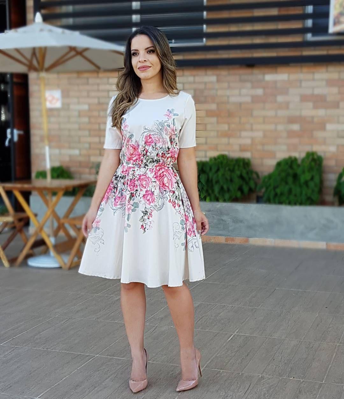 "6,192 curtidas, 441 comentários - P A O L A S A N T A N A (@paaolasantanaa)  no Instagram: ""{Ache…   Fashion dresses casual, Modest dresses, Corporate  casual dress"
