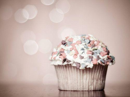 happy cupcake monday
