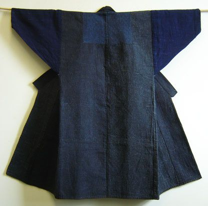 This marvel is an indigo dyed cotton sashiko sakkuri or donza from Fukui Prefecture which is situated on the Sea of Japan