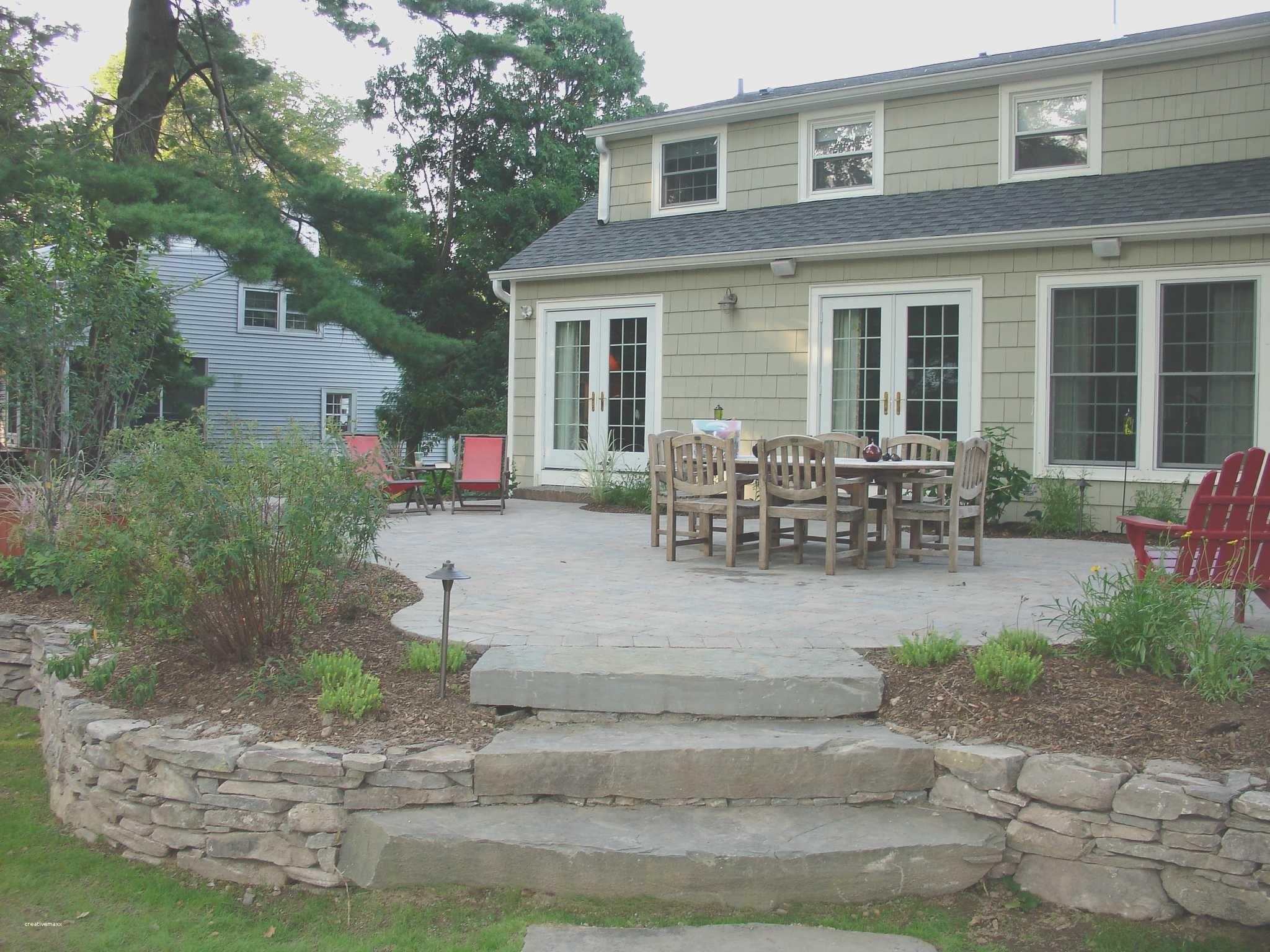 Backyard Concrete Retaining Wall Ideas Cement Landscape Design Unique Decor Tips Backyard Design With Concrete Pa Raised Patio Patio Landscaping Patio Garden